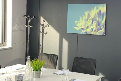 liverpool serviced office conference table