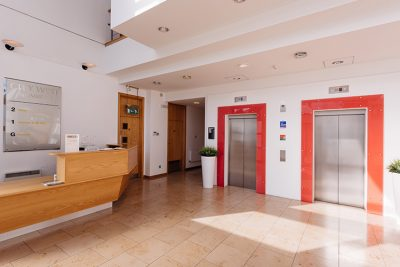 view of reception in leeds serviced offices