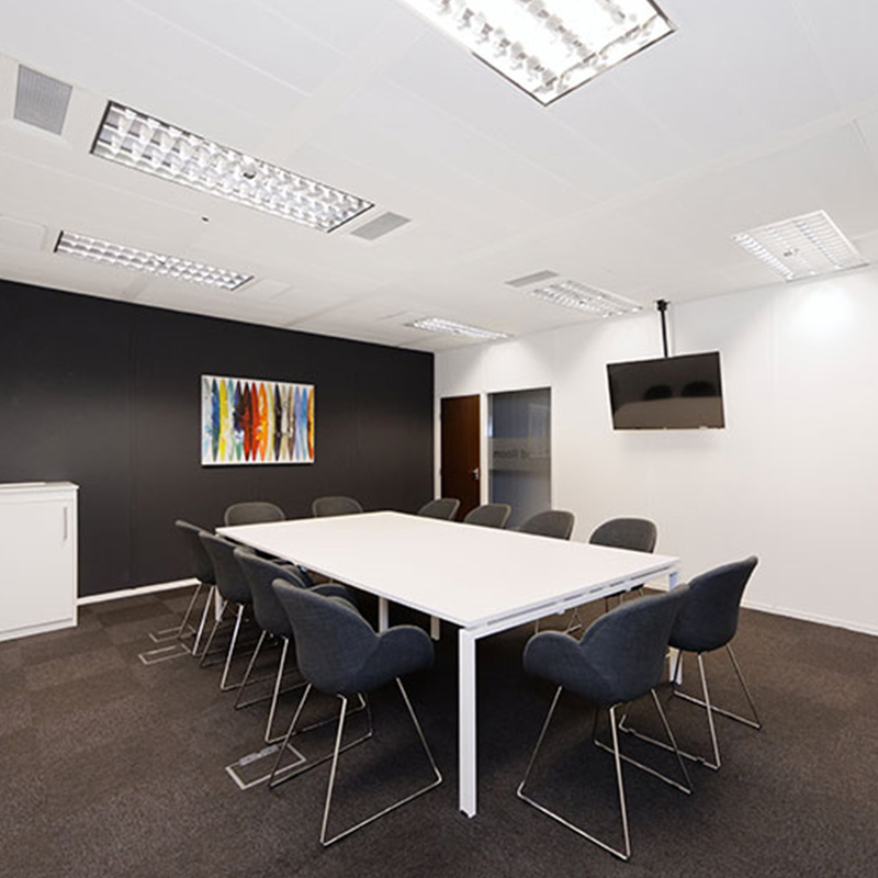 leeds serviced office meeting room